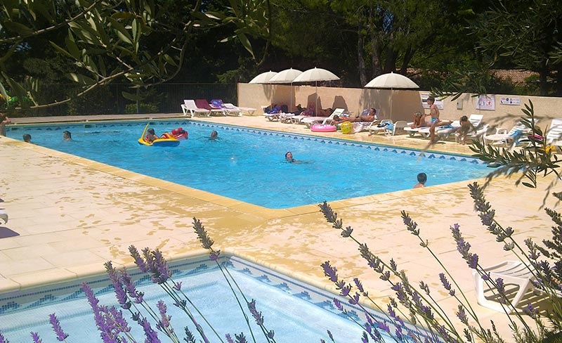 Camping fontisson mobil home chateauneuf de gadagne 84470 for Chateauneuf de gadagne piscine