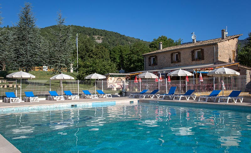 Camping international mobil home castellane 04120 for Camping verdon piscine