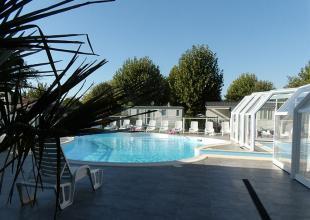 Saint-Hubert-piscine-02.jpg