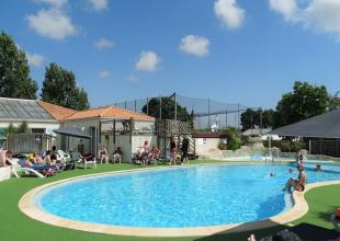 Camping-Grand'Metairie-animation-autour-piscine