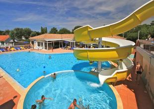 camping-cote-plage-loisirs-parc-aquatique