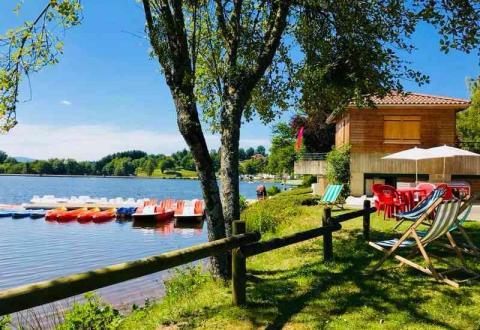 01-demeures-du-lac-piscine-lac-canoe-1