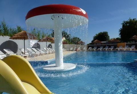 camping-Plein-Sud-piscine-exterieure