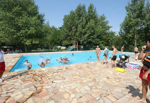 camping-harrobia-bidart-bord-piscine