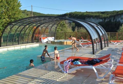 camping-la-sagne-piscine-couverte