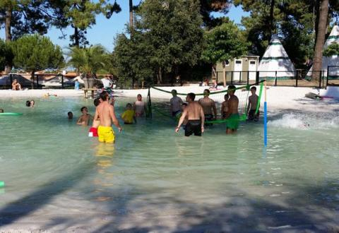 camping-les-pins-oleron-loisirs-piscine