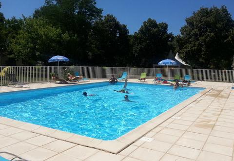 camping Rives-du-Céou Midi-Pyrénées piscine