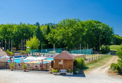 camping-maillac-vue-ambiance