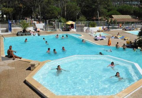 mobil-home-camping-saint-martin-8-places.jpg