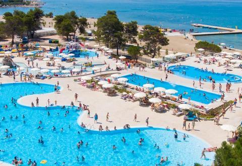 slider-camping-zaton-croatie-parc-aquatique-bord-de-plage