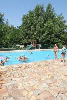 camping-harrobia-bidart-bord-piscine.jpg