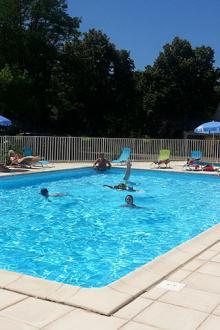 camping-rives-du-ceou-midi pyrenees-piscine
