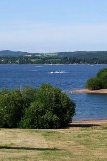 camping-parc-du-charouzech-acces-direct-lac-de-pareloup