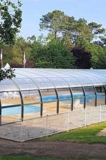 camping-saint-laurent-ploemel-piscine-couverte