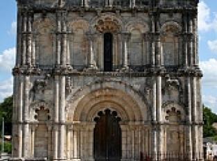 L'église St-Pierre de Petit-Palais