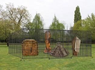 Le zoo de scuptures de la Forêt d'Art Comtemporain