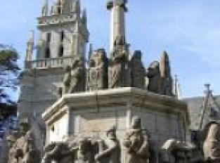 Eglise Notre-Dame-du-Bon-Secours et son calvaire monumental