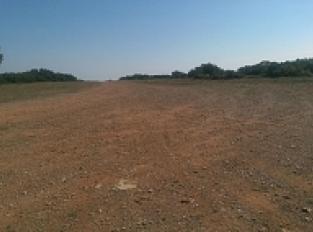 PIste d'avions en terre compactée du Massif de la Gardiole d'une longueur de 500m