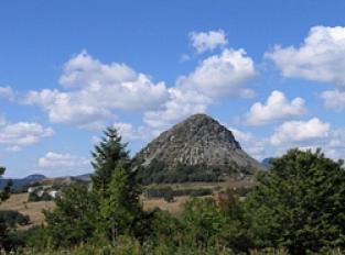 Mont Gerbier de Jonc et le sentier des Sources