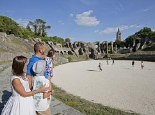 Amphithéâtre Gallo-romain, les morts et les vivants