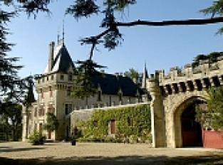 Château de Pressac et point de vue sur la vallée de la Dordogne