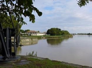 Vue sur la Charente, depuis la Corderie royale