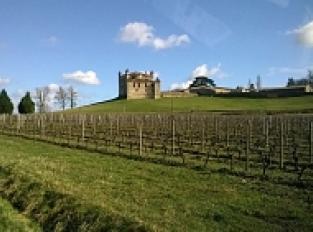 Le Château et l'église de Monbadon