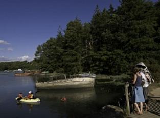 Cimetière de bateaux et les berges de Pluneret