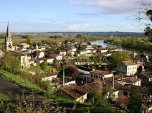 Le village de Cabara et la Dordogne