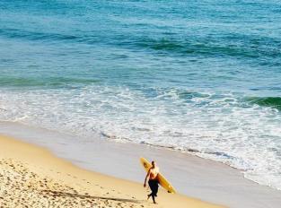 incontournable-algarve-surfer