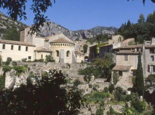 region-Languedoc-incontournable-St-Guilhem-le-desert