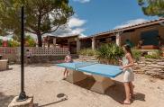 camping-les-amandiers-enfants-tennis-de-table