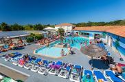 camping-oleron-loisirs-vue-generale-piscine-2019
