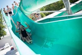 12-atlantique-toboggans-piscine.jpg