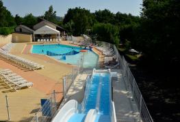 Terrasses-du-lac-piscine-toboggan-01.jpg