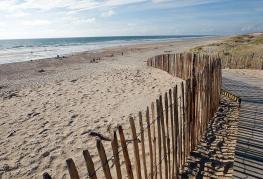 camping-atlantic-club-montalivet-plage-sable.jpg