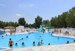 camping-atlantique-vendee-piscine-et-toboggan
