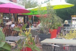 camping-calquieres-Terrasse restaurant les Calquière.jpg