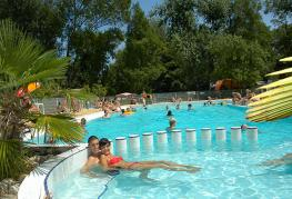 camping-domaine-de-gaugeac-parc-aquatique