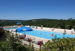 camping-domaine-la-faurie-environnement-piscine.jpg