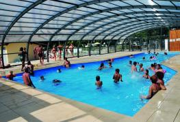 camping-fontaine-vieille-piscine-couverte.jpg