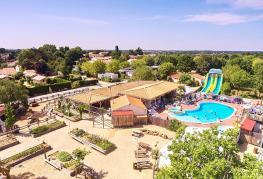 camping-la-grand'metairie-vendee-vue-aerienne-piscine-2018