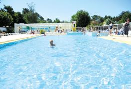 camping-la-paree-preneau_piscine_bassin_aquatique