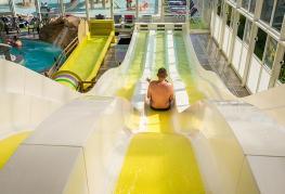 camping-les-pirons-piscine-couverte-et-toboggans-2019