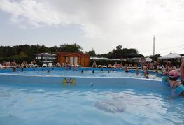 camping-quercy-vacances-piscines