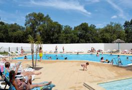 camping-romarin-piscine