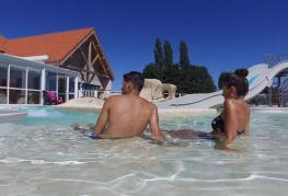 camping-roseliere-piscine-et-toboggan