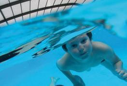 camping-saint-laurent-ploemel-baignade-piscine-couverte