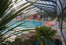 camping-siesta-piscine-couverte.jpg