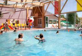 camping-signol-ile-oleron-piscine-couverte.jpg
